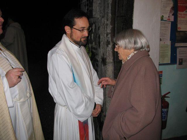 Mrs Sheppard greeting Rev Steve